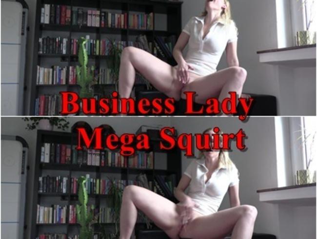 Mega SQUIRT von heißer Business Lady